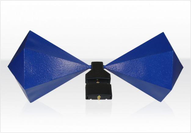 BicoLOG 30100E X Antena bicónica de banda ancha, optimizada para ensayos de EMC, Aaronia